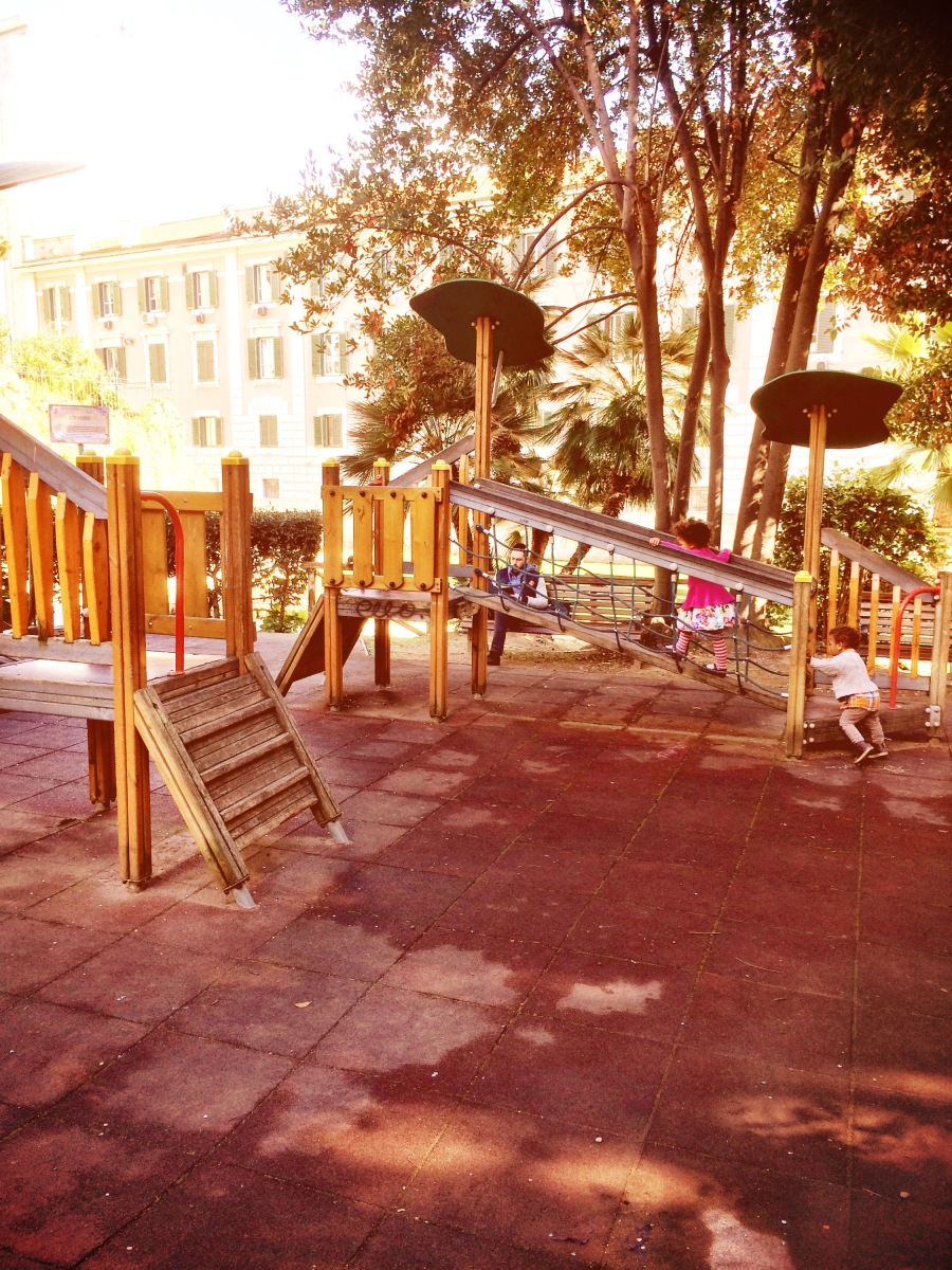 Playground in Rome close to Trevi fountain